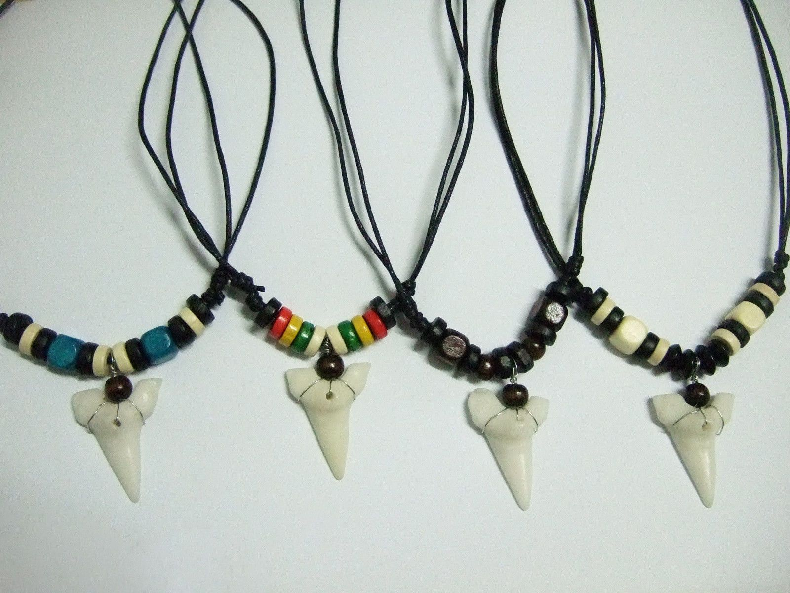 REAL SHARK TOOTH PENDANT WHITE TEETH CORD NECKLACE WOOD BEADS MEN SURF BOY