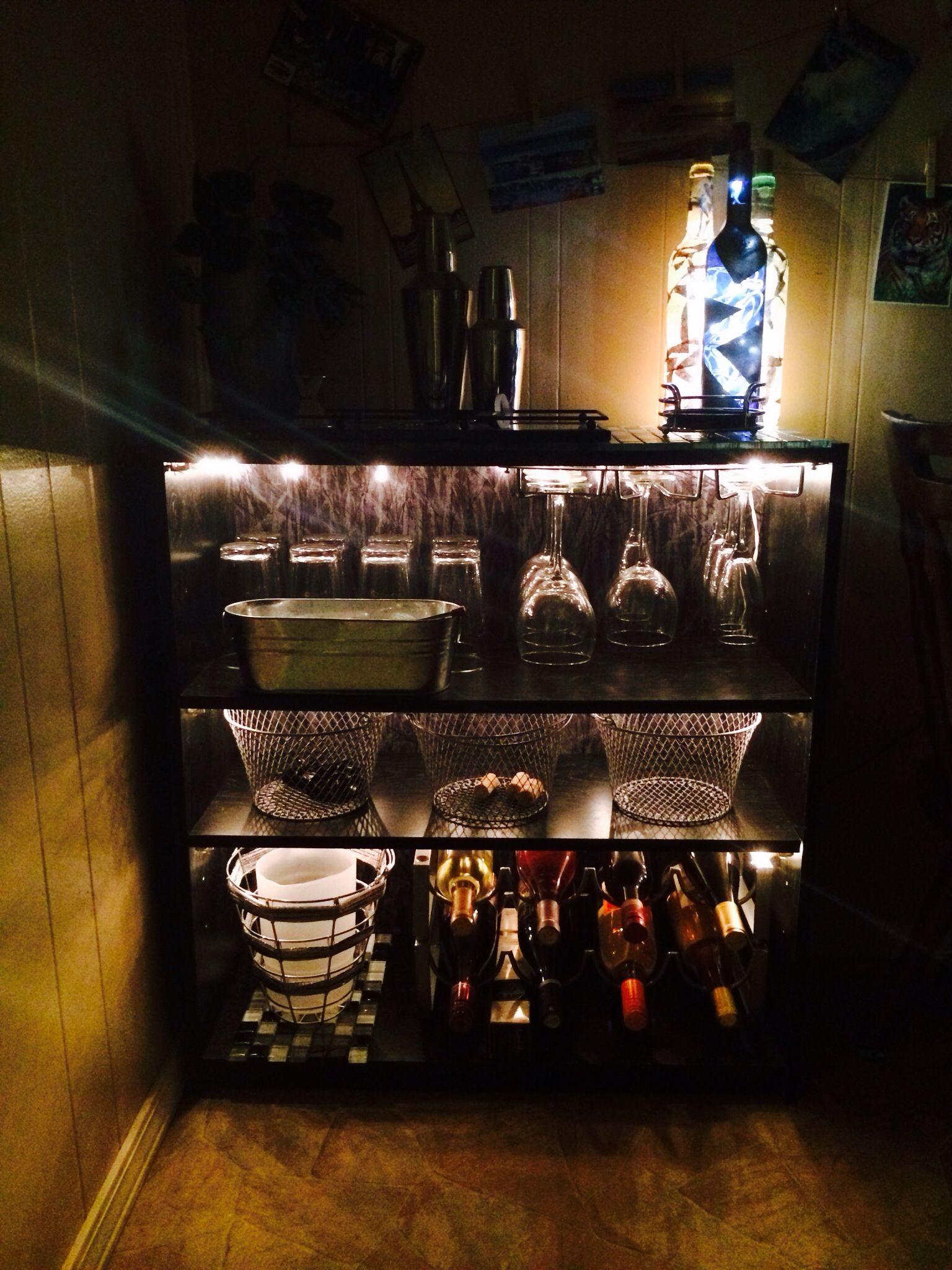 Stylish Small Bar Ideas | HomesFeed  |Diy Wine Bar Decor