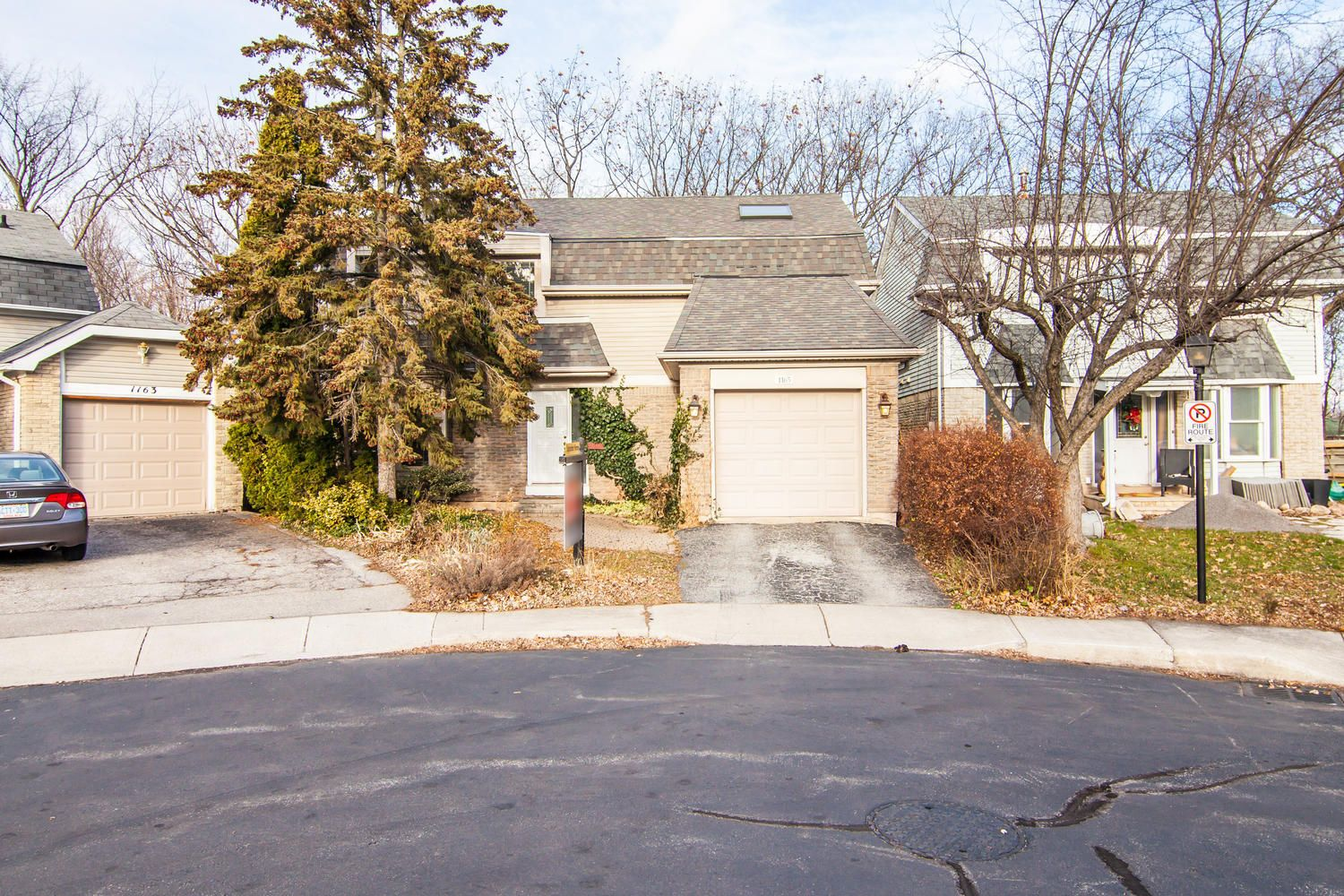 Detached House For Sale In Oakville Contact Us At - View House Prices On Map In Us