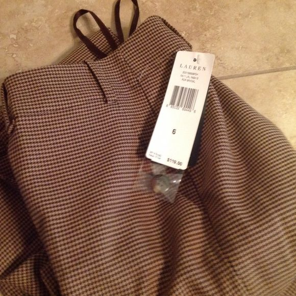 """Gorgeous  SALE 49 Huge Price Drop! Beautiful Ralph Lauren houndstooth dress slacks. Sanderson style. Love them but they are too big! Inseam is 31."""" Size 6. But fit like an 8 Ralph Lauren Pants Straight Leg"""