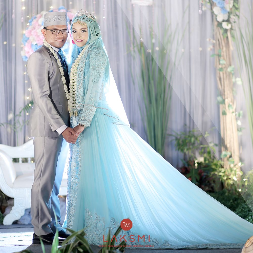 Foto gaun & busana pernikahan oleh LAKSMI - Kebaya Muslimah ...