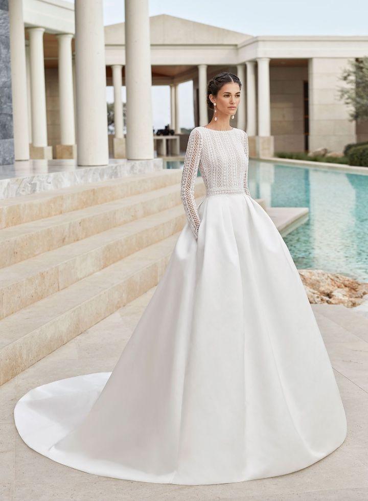 2020 Wedding Dress Long Sleeve Wedding Planner Outfit Traditional Kent In 2020 Wedding Dress Long Sleeve Ball Gown Wedding Dress Ball Gowns Wedding