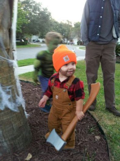 The CUTEST lumberjack I have ever seen! | DIY Halloween Costume Ideas for Toddler Boys #toddlerhalloween