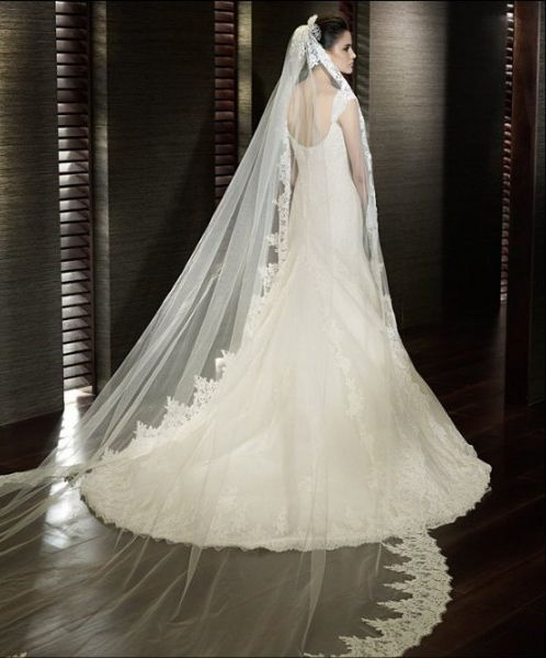 very classical 2012 mermaid straps alluring lace designer train bridal gown (amazing finishing line) 2