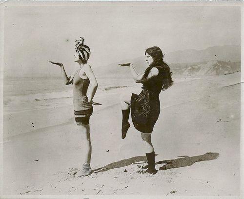 my-little-time-machine: c. 1920s.