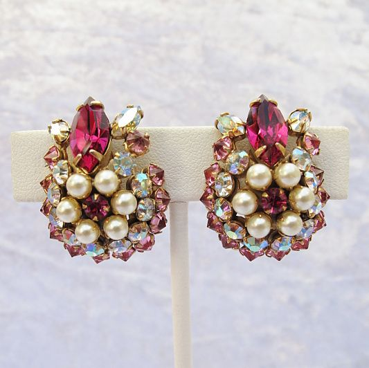 Gorgeous Unsigned Schreiner Fuchsia Crystal and Faux Pearl Clip Earrings from Vintage Jewelry Girl! #vintagejewelry #vintageearrings