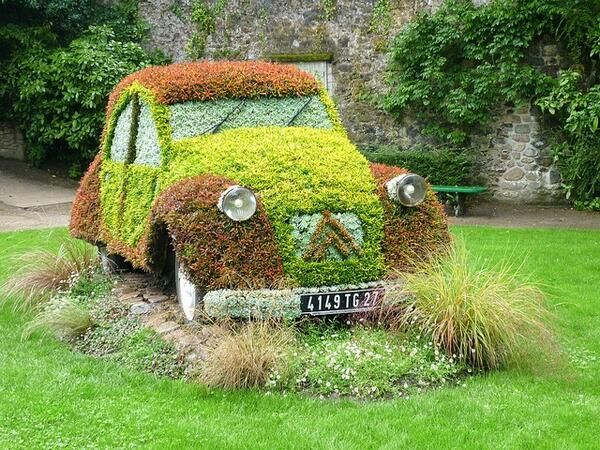 That's what we call sustainable driving. #2CV