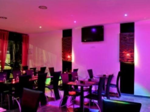 La Palme Lounge Paris France Resto Halal