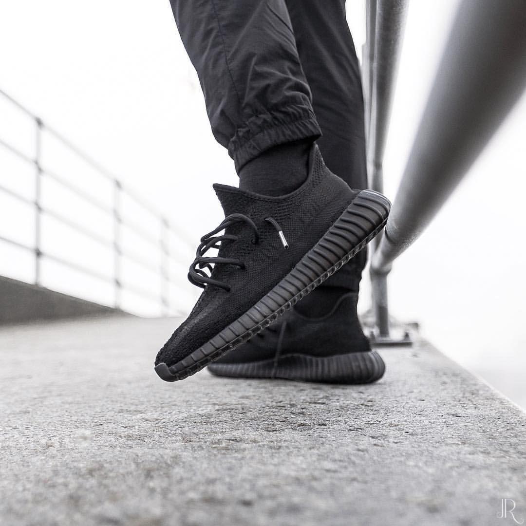 adidas Originals Yeezy 350 V2 Boost