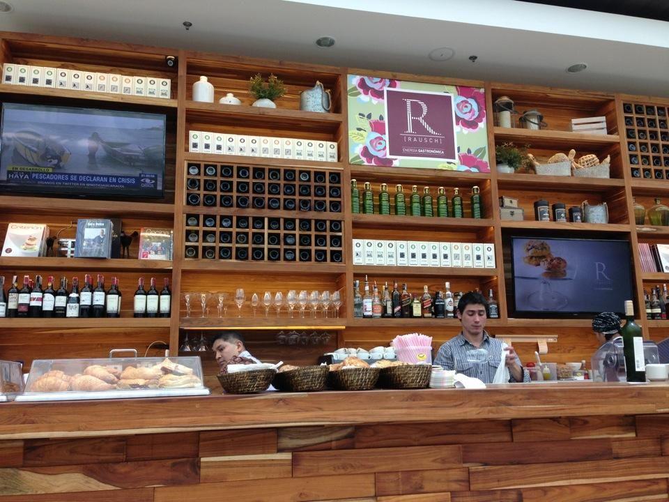 Rausch Energía Gastronómica El nuevo café de los chefs Mark y Jorge Rausch en el centro comercial Andino de la ciudad de Bogotá. Quienes confiaron en nosotros este importante proyecto de adecuación del espacio, consiguiendo un excelente resultado. Rausch energía gastronómica es un espacio para tomar café y muchas cosas más. http://www.hermanosrausch.com/