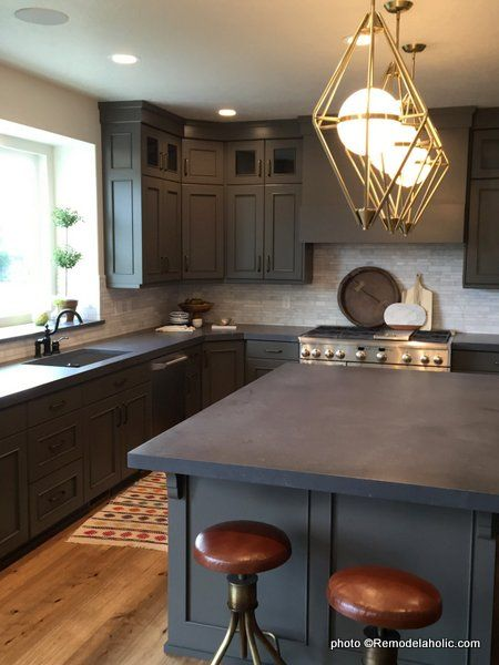 40 Beautiful Kitchens with Gray Kitchen Cabinets