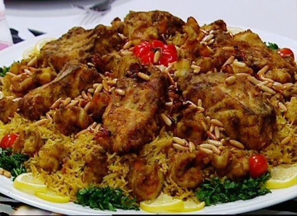 طريقة عمل صيادية السمك بالطريقة الخليجية ارز بسمتى طويل الحبة Egyptian Fish Recipe Egyptian Food Middle East Food