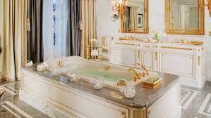 「marie antoinette bathroom」の画像検索結果