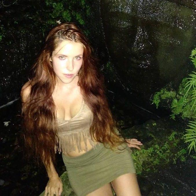 Share redhead freckled mini skirt congratulate