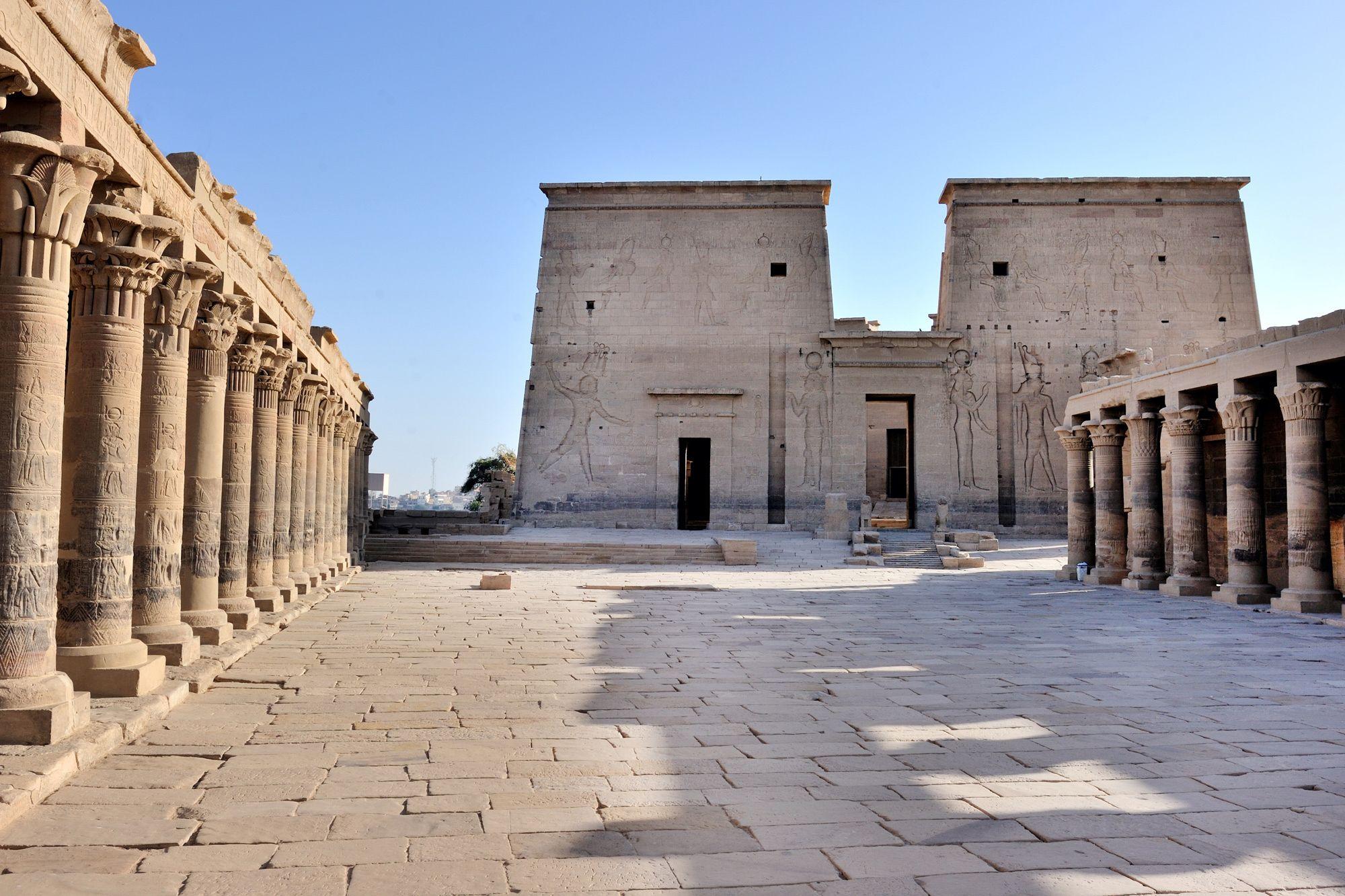 Sepa más sobre la cutura egipcia en El Templo de Filae http://www.ibisegypttours.com/es/viajes-a-egipto/viajes-a-egipto-baratos/viajes-econ%C3%B3micos-egipto con Ibis Egypt Tours