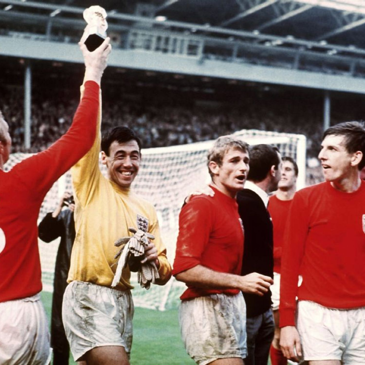 Geoff Hurst Hits Hat Trick As England Beat West Germany To Win World Cup England Football Team World Cup Gordon Banks