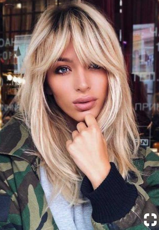 Chunky Fringe Blonde Medium Hairstyle Blonde Haircut Hairstyle Hair Styles Long Hair Styles Oval Face Hairstyles