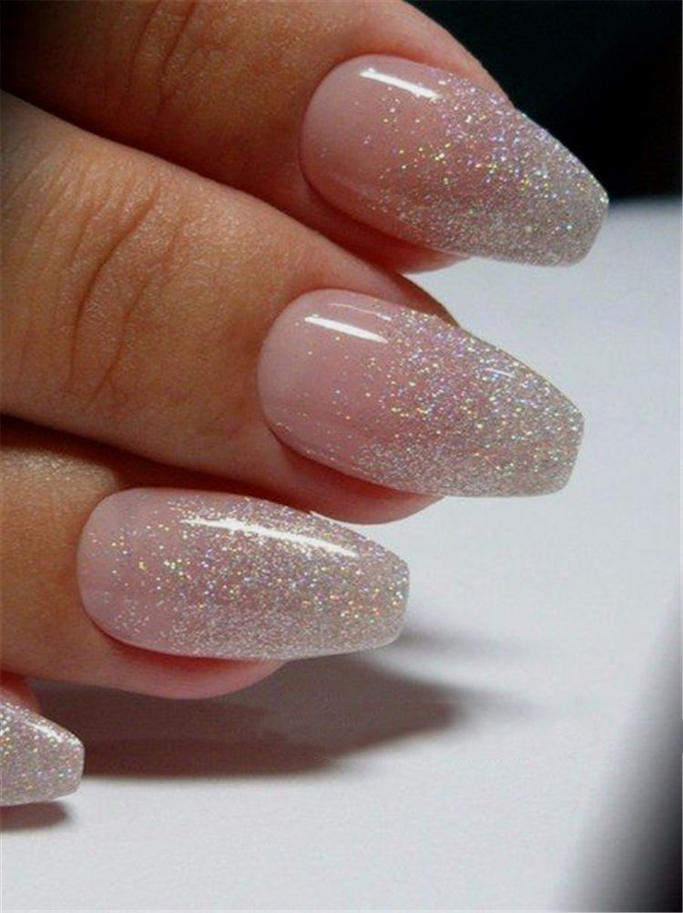 Perhaps You Have Discovered Your Nails Lack Of Some Modern Nail Art Sure Lately Many Girls Personalize In 2020 Manicure Nail Designs Ombre Acrylic Nails Gold Nails