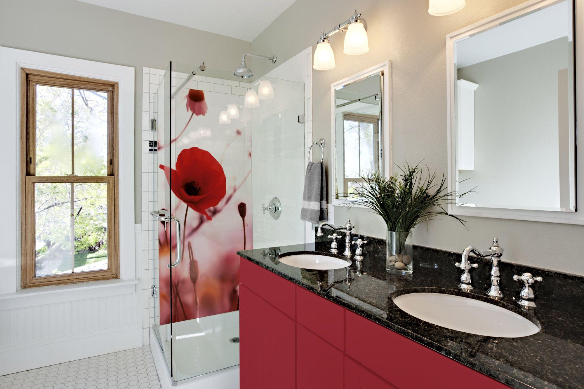 Panneau de douche impression rouge - Deco salle de bain rouge ...