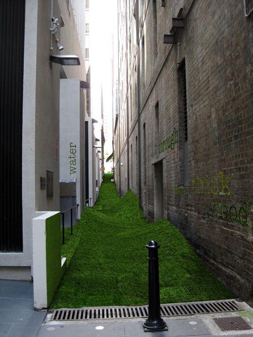 Artificial turf laneway tunnels bridges narrow - Terrasses en ville un bel exterieur par d space studio ...