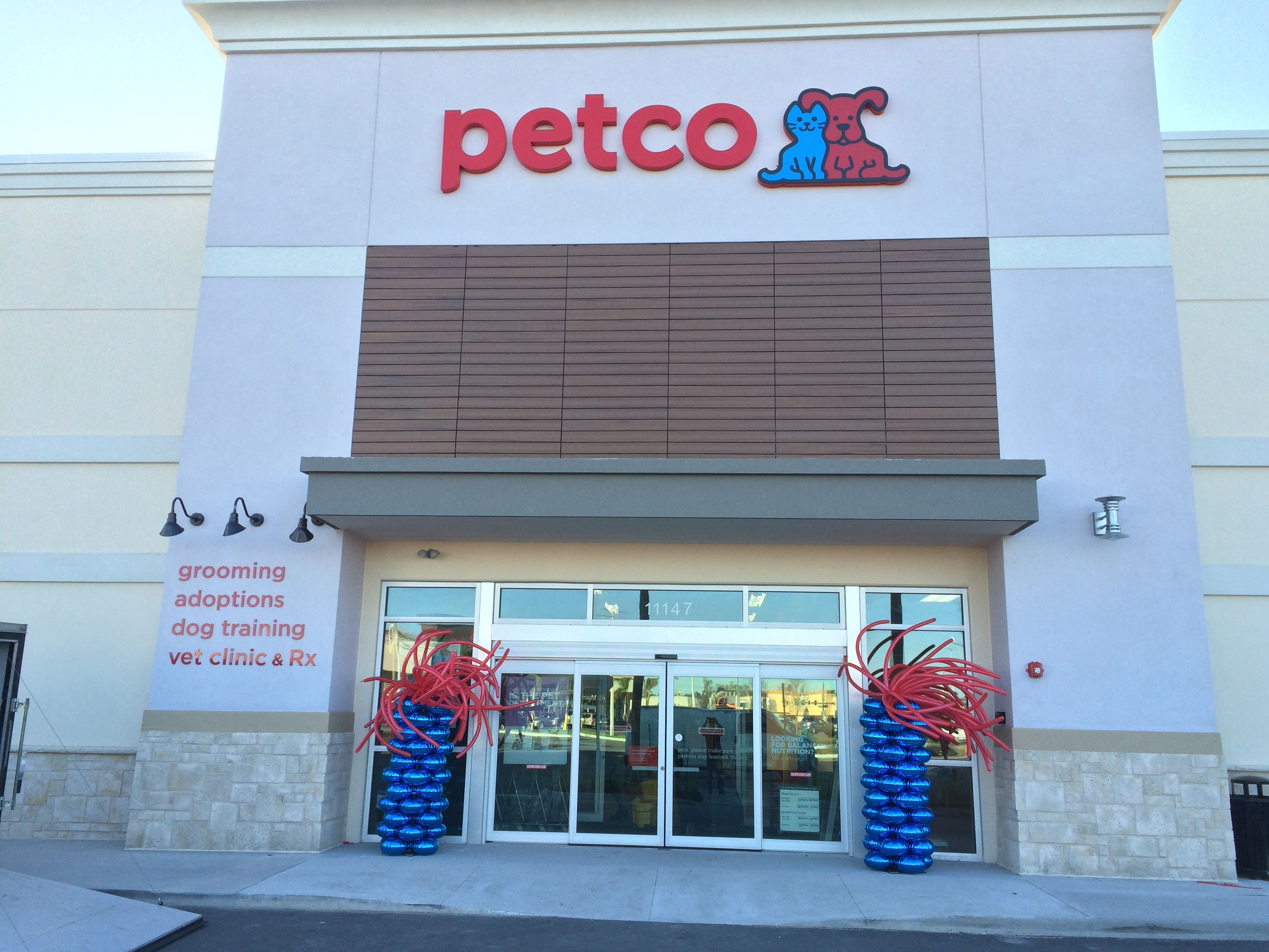 Another Of Our Seven Petco Store Openings This Morning From Coasttocoast Where You May Ask Virginia Arizona Georgia Ne Petco Balloon Columns Grand Opening