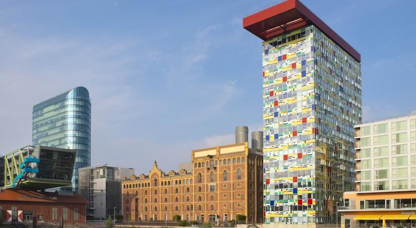 泊ってみたいホテル・HOTEL|ドイツ>デュッセルドルフ>ライン川の川岸にある4つ星ホテル>インサイド バイ メリア