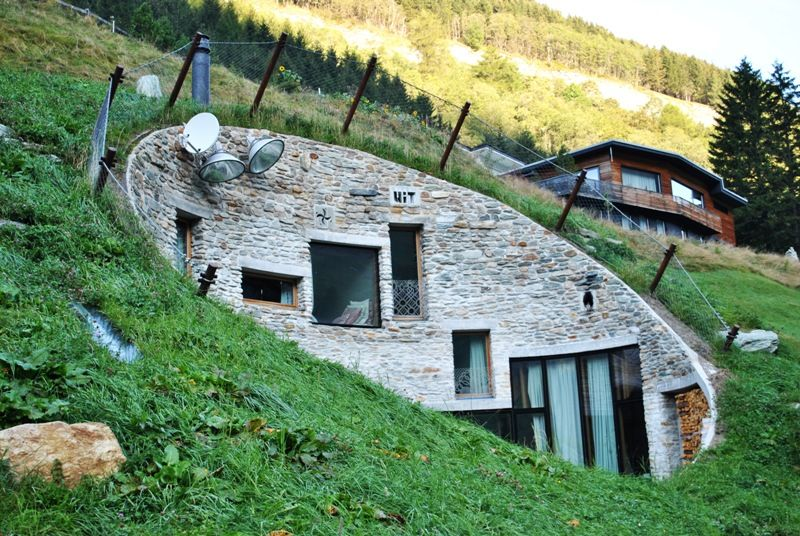 Villa Vals- I think this is pretty damn cool!