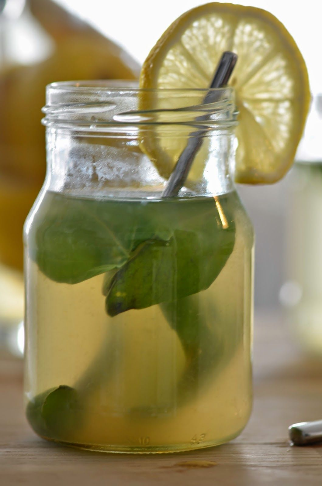 GREEN TEA-GINGER-LEMON-BASIL ICED TEA  Tee sitä tee tätä: HOW TO // Jäätee