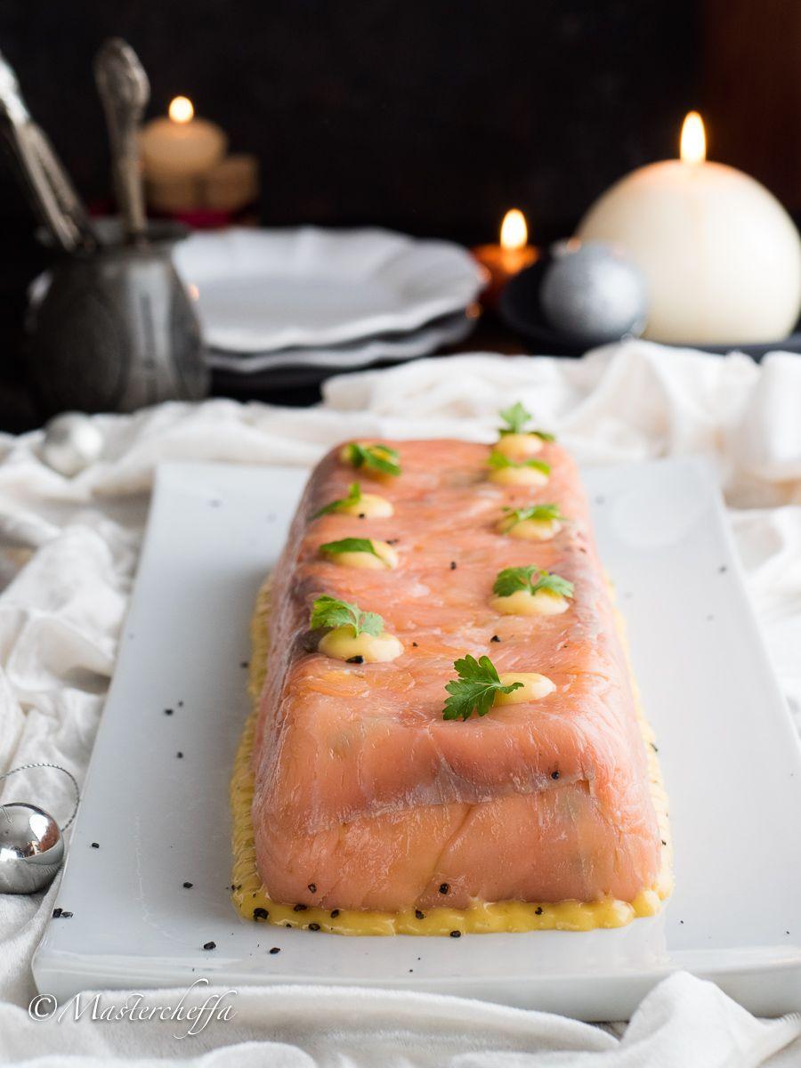 Ricetta Salmone Giallo Zafferano.Tronchetto Di Salmone Affumicato Mastercheffa Ricetta Ricette Idee Alimentari Cibo
