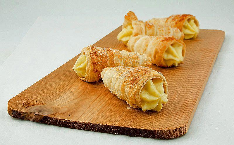 Italian Sfoglia Cake Recipes: Italian Pastry Pasticiotti Recipe