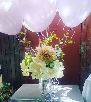 It's going to be a lovely Monday..#floralballoons #eventballoons #ballooncenterpieces #creativedecorating
