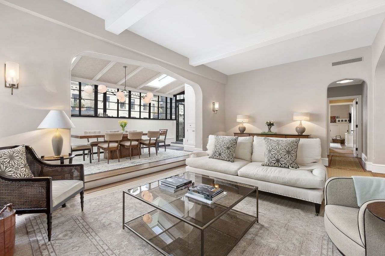 You Can Now Rent Jon Hamm S New York Apartment For 11 500 A Month New York Apartment Nyc Penthouse New York Penthouse