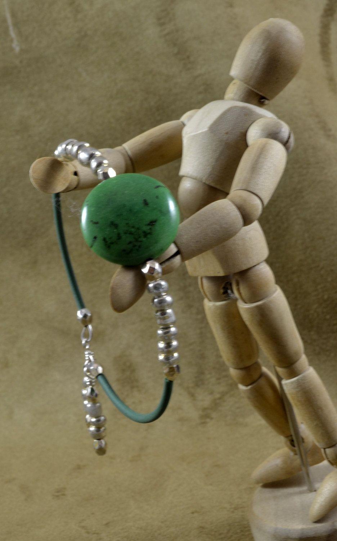Green Focal Beaded Bracelet by DragoninDenver on Etsy