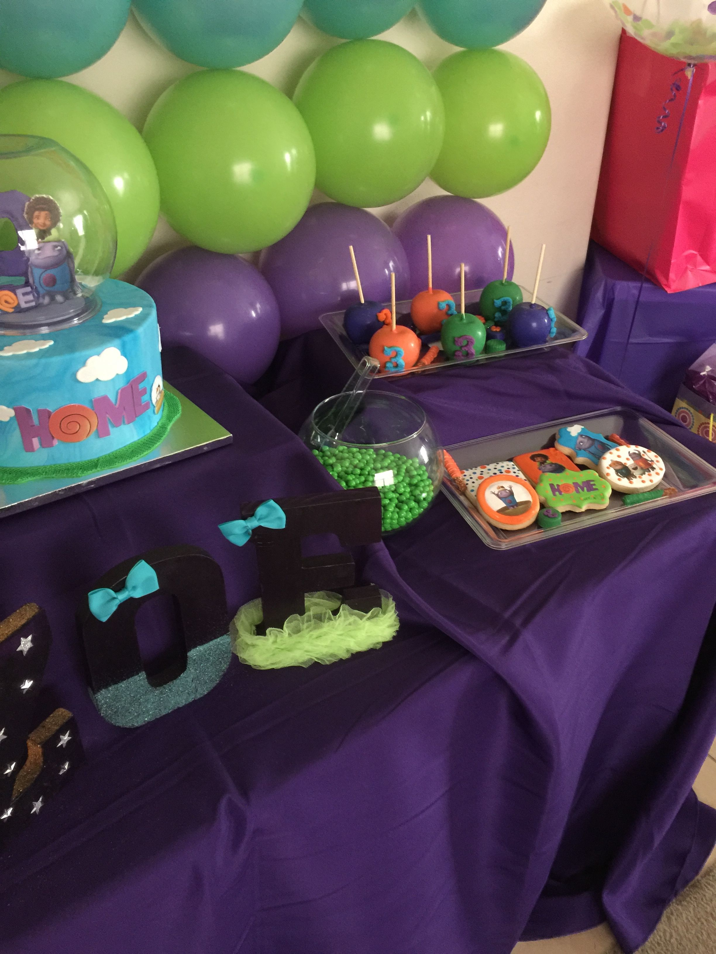 Dreamworks Home Boov Party Dessert Table Dreamworks Home Party