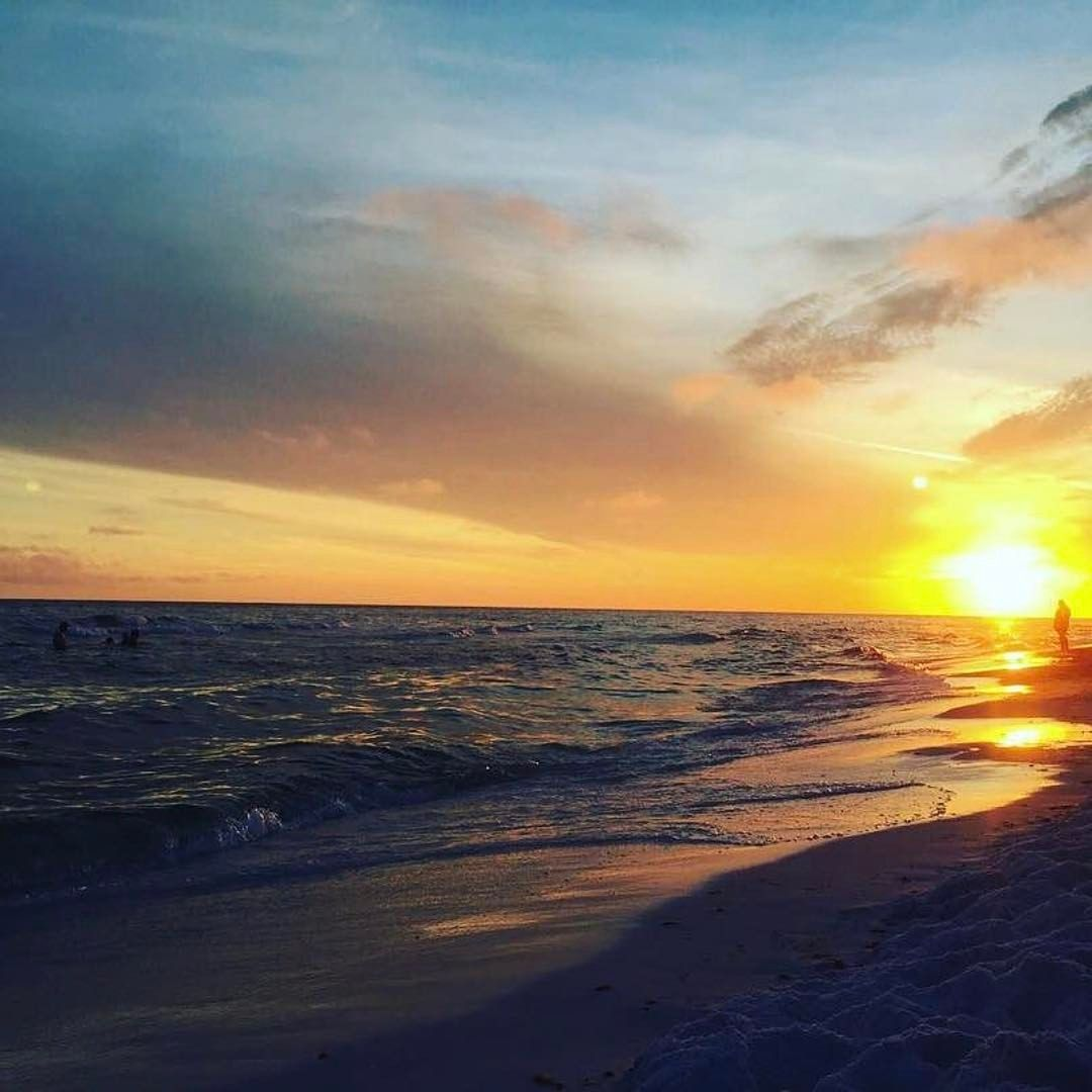 1 134 Likes 7 Comments Destin Florida Ilovedestinflorida On Instagram Sunsets On The Destin Florida Beach Panama City Beach Florida Florida Beaches