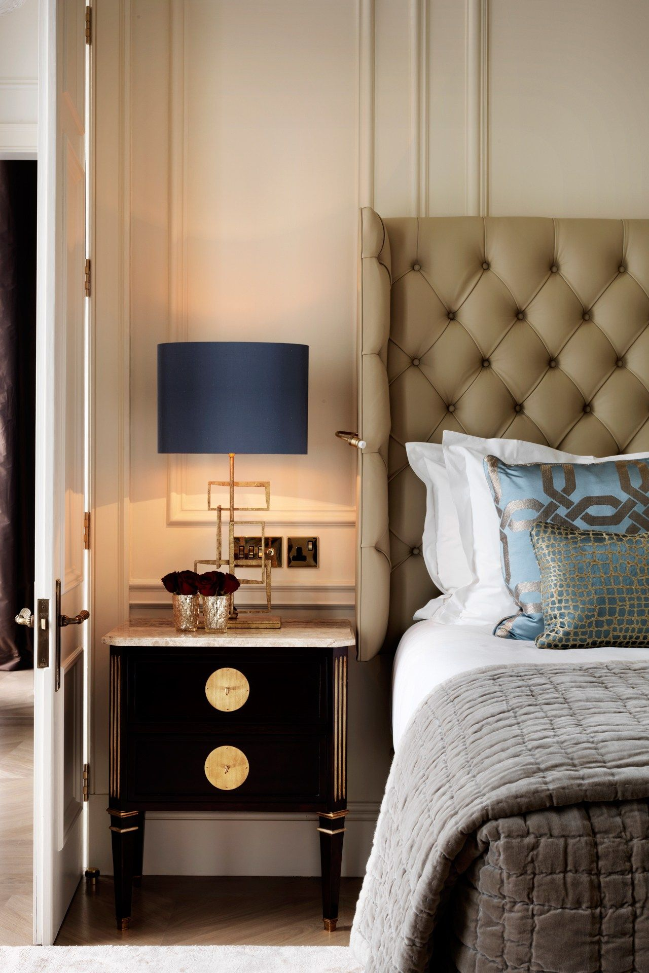 Postcards from... The Kensington Hotel - bedroom