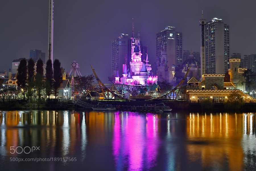 http://500px.com/photo/189157565 Magic Island by visbimmer -Amusement Park In Seoul.. Tags: LakeSeoulJamsilAmusement ParkNight CityscapeMagic IslandLotte World롯데월드 어드벤쳐매직아일랜드