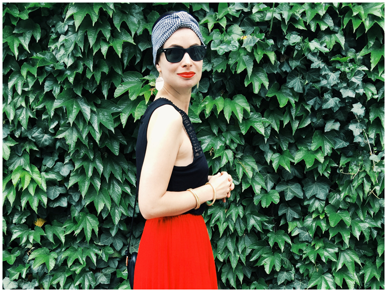 IVY | June Gold wearing H&M houndstooth headband and vintage red pleated skirt