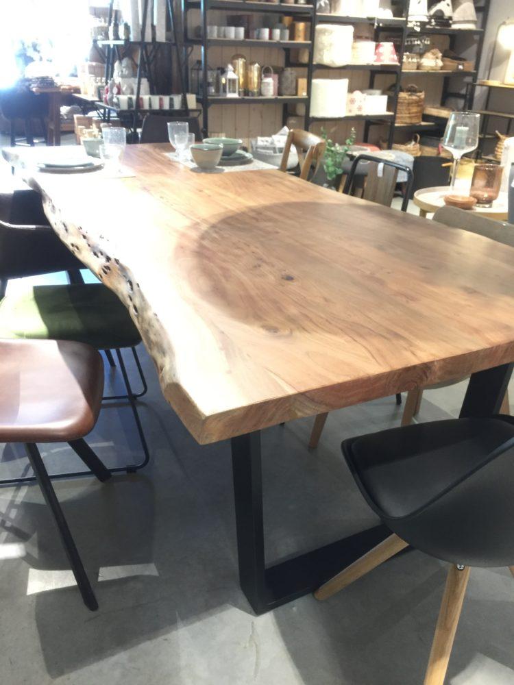 Table Kaz Ambiance M Meubles Et Objets Deco A Aime La Plagne Mobilier De Salon Aime La Plagne Table Salle A Manger