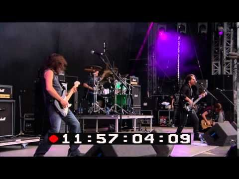 WINGER - Pull Me Under (Live At Download Festival 2014)