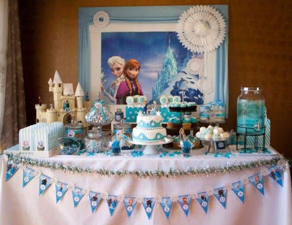 Les 10 plus belles sweet table d anniversaire sur le th me for Decoration porte reine des neiges