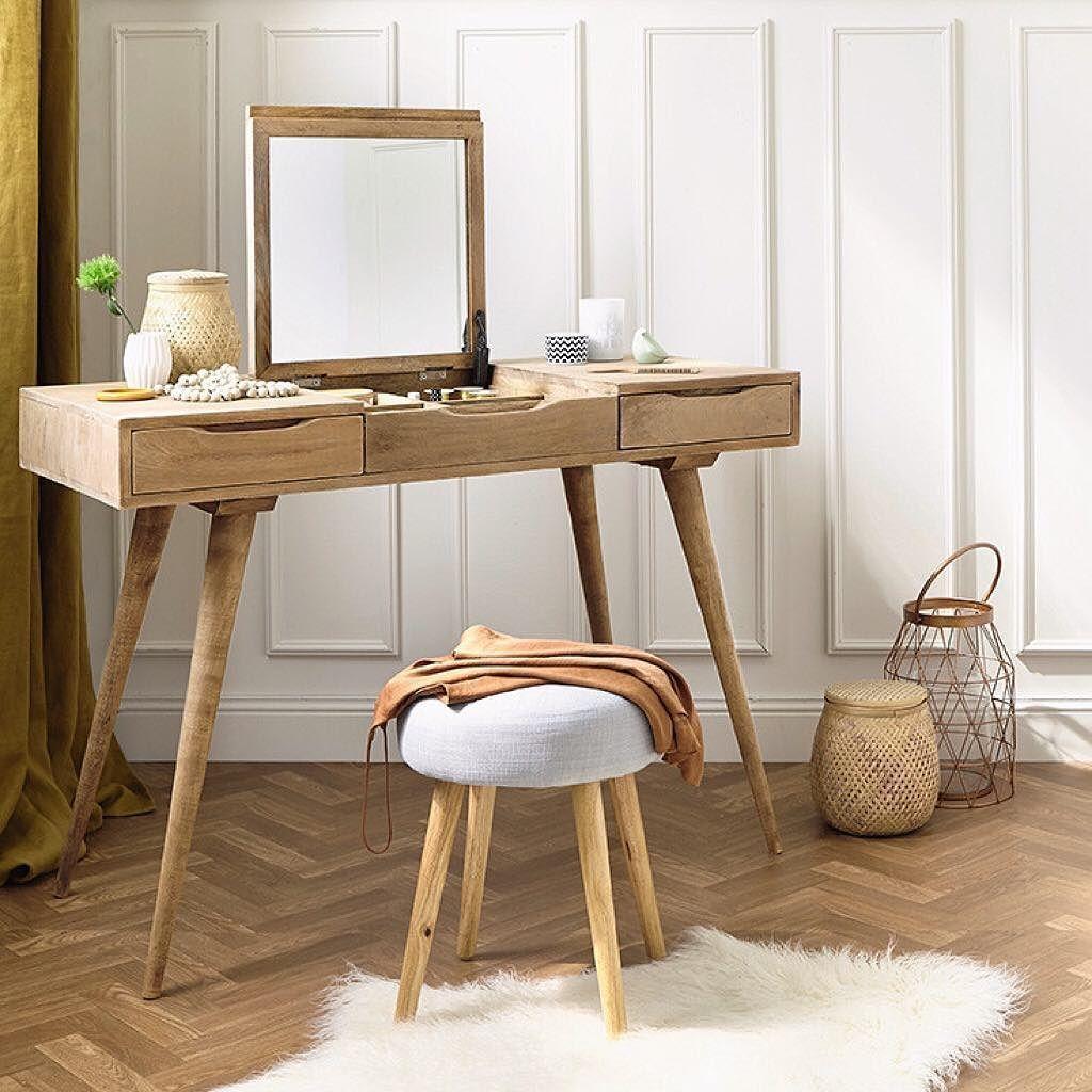 Pingl Par Tabitha Loke Sur Home Decor Pinterest V Ronique  # Table Coiffeuse Pour Chambre