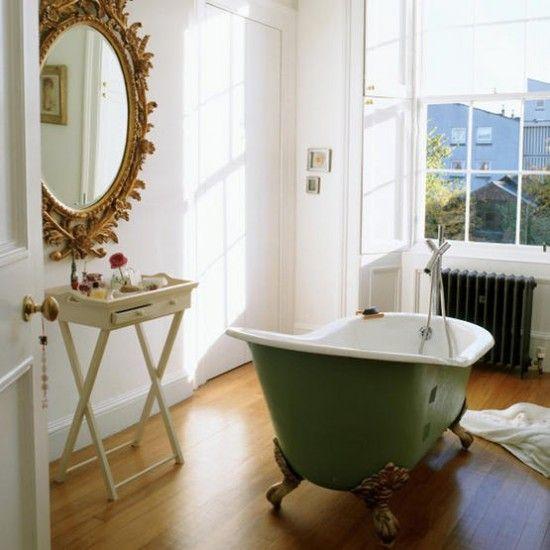 Traditionelle Badezimmer mit Badewanne grün Wohnideen Badezimmer ...