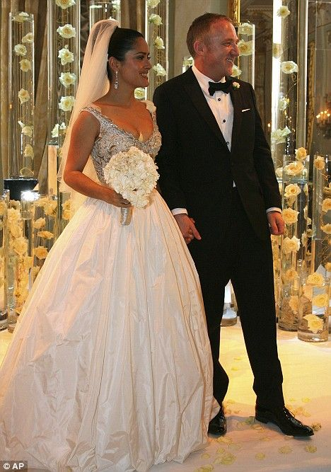 Salma Hayek shows off wedding dress fit for a billionaire\'s bride at ...