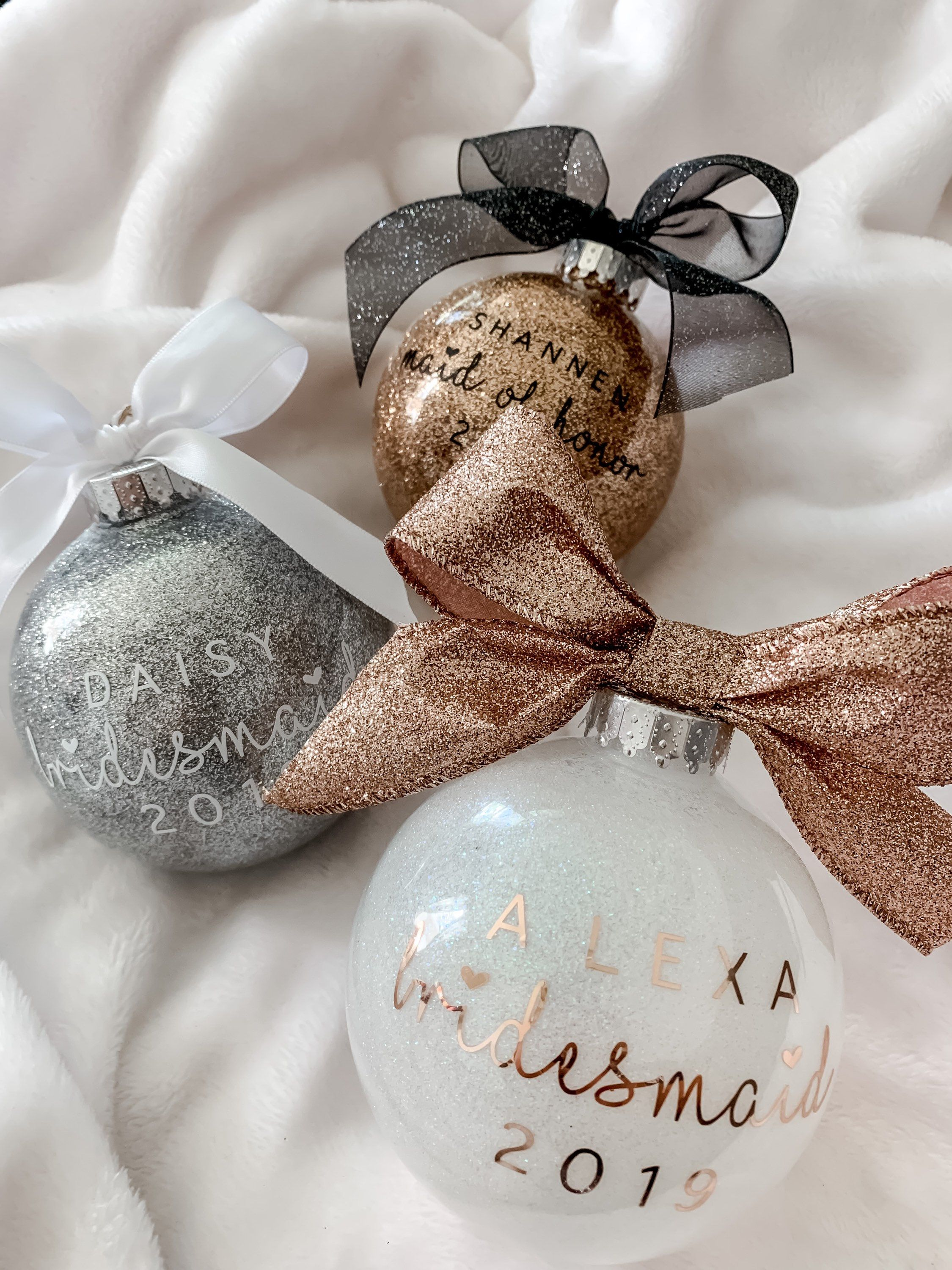 Bridesmaid Rose Gold Ornament Personalized Winter Bridesmaid Etsy Christmas Glitter Ornaments Bridesmaids Gifts Christmas Pretty Christmas Decorations