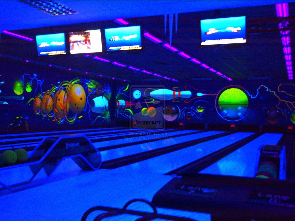 Cool Bowling Alley Black light painting!   Mural Ideas in