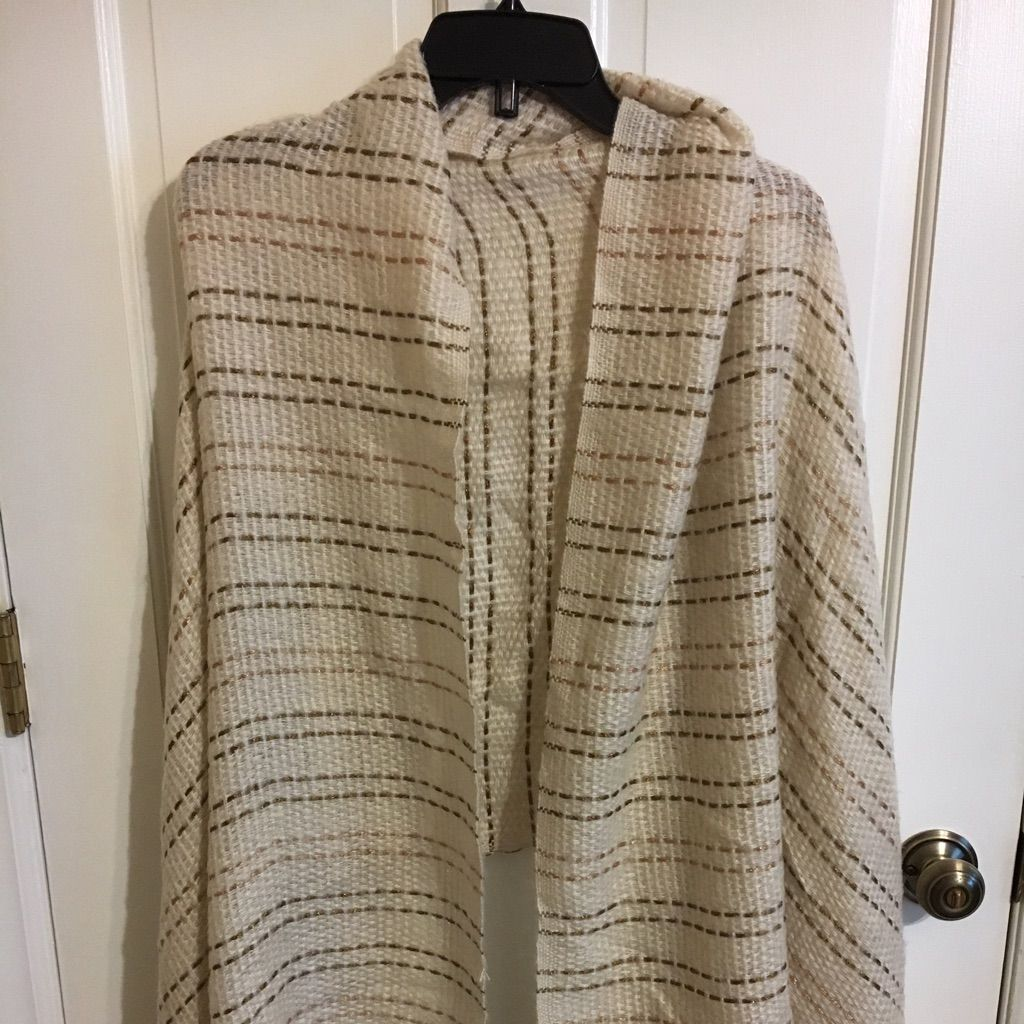 Limited Blanket Scarf - Gorgeous Cream And Gold