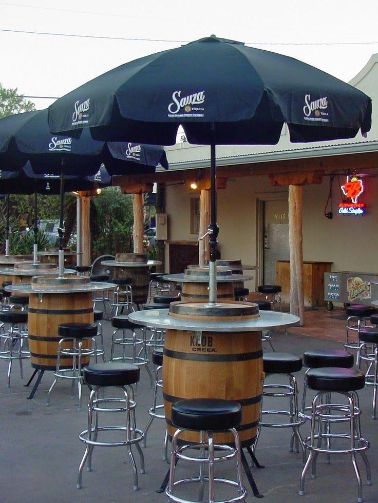 12 ideas para decorar con barricas de vino proyectos que - Decorar un bar de tapas ...