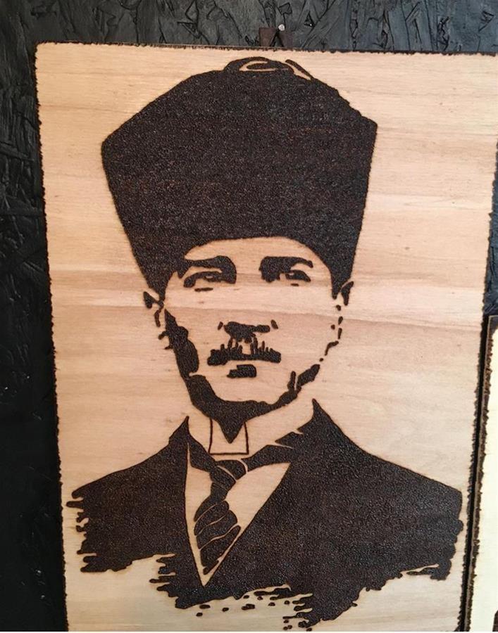 Ahsap Yakma Ataturk Tablosu Tasarimci Bodrumelizi Tasarimi Poertre Resimleri Ahsap Yakma Tablolar