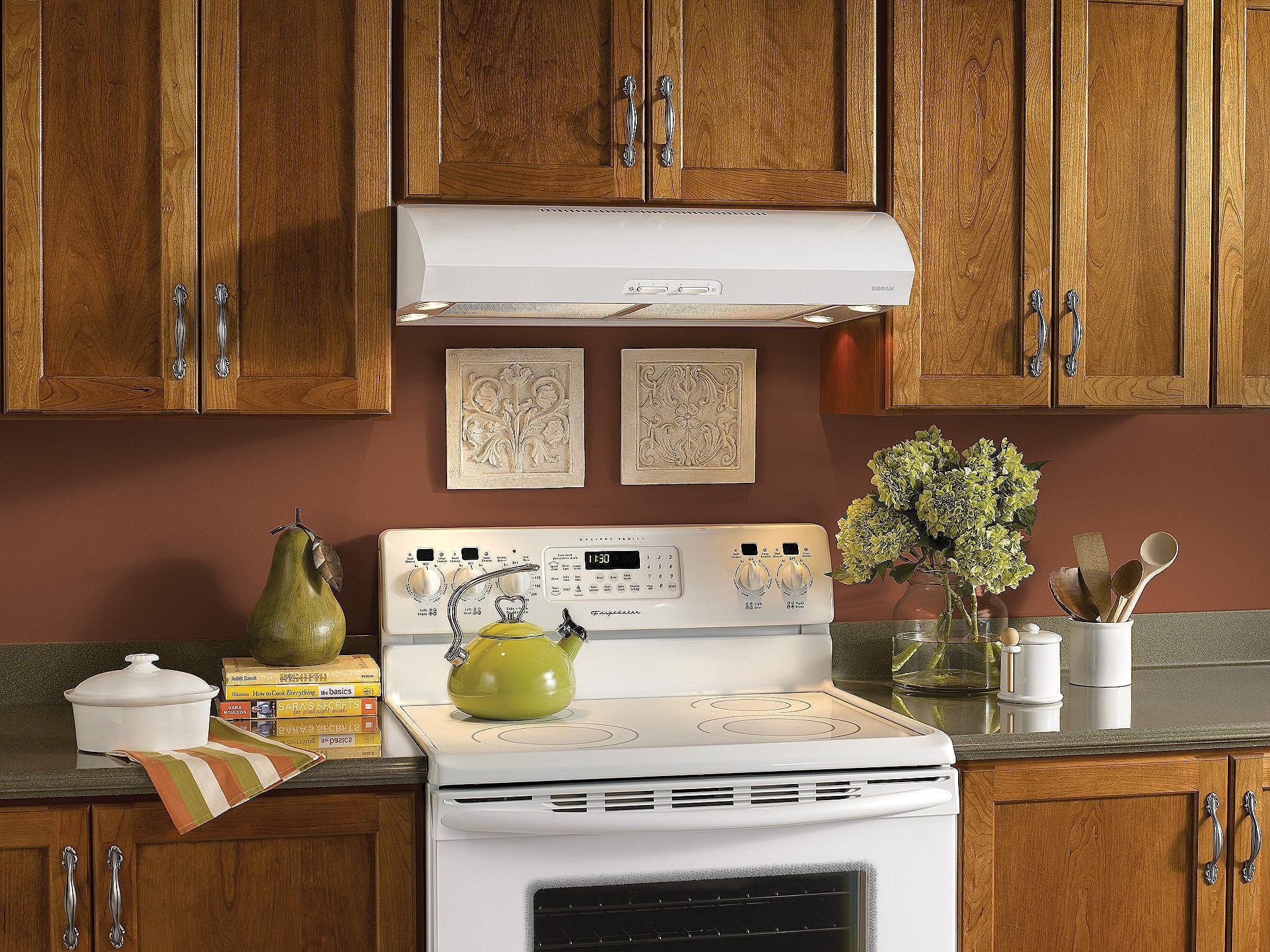 Lovely Kitchen Light Rail Molding | Under cabinet range ...